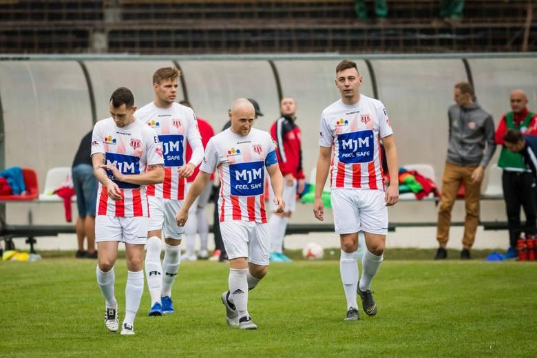 Klub Piłkarski Polonia pokonał na własnym boisku Pomorzanina Serock 3:1 w kolejnym spotkaniu V ligi. Losy spotkanie rozstrzygnęły się w pierwszej połowie,