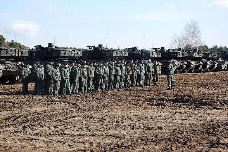 oprac. (jac), źródło: 34BKPancW poniedziałek rano żołnierze 1. Brabanckiego batalionu czołgów (1Bbcz) i batalionu logistycznego 34. Brygady Kawalerii