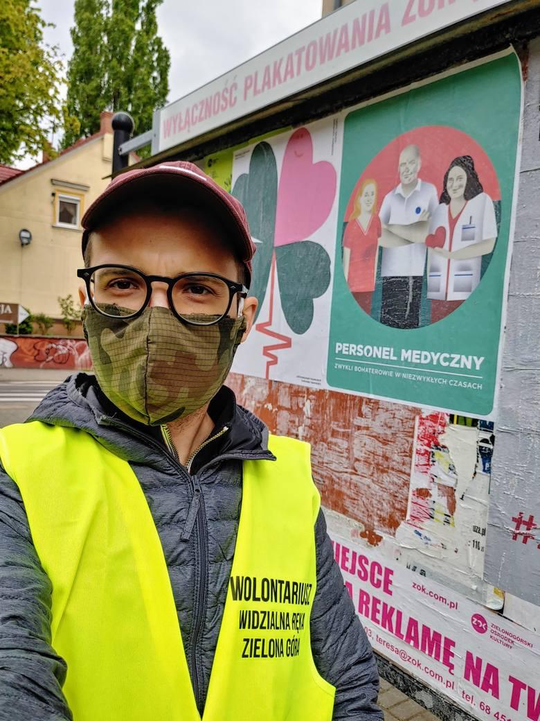 Na zdjęciu: Andrzej L. Piasecki, jeden z administratorów grupy Widzialna Ręka Zielona Góra.