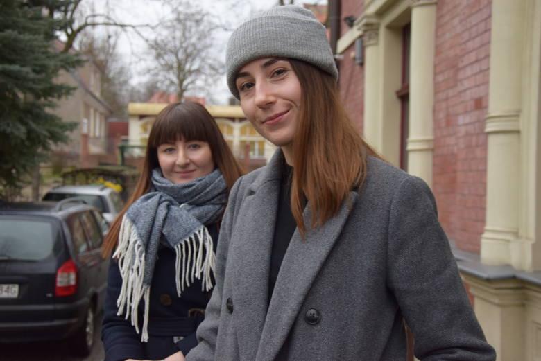 Od lewej: Dr inż. Agnieszka Mackiewicz i studentka UZ Natalia Jendrzejczak stworzą protezę dla psa, który nie ma łapy.