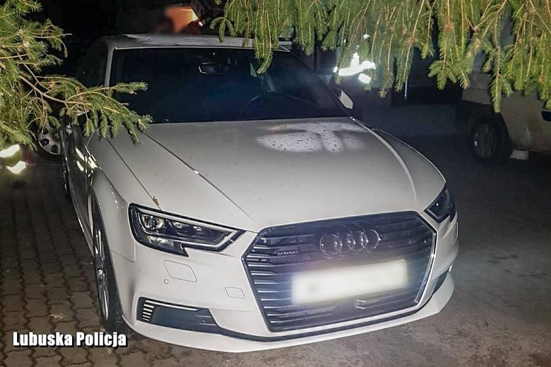 Policjanci odzyskali audi A3 o wartości blisko 100 tys. zł. Pojazd został wcześniej skradziony na terenie Niemiec. Do sprawy zatrzymano 44-letniego mieszkańca