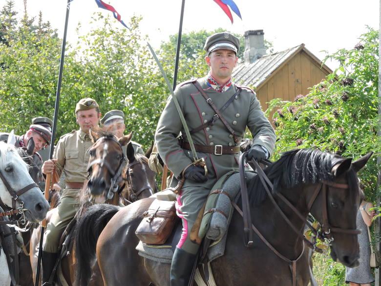 Rzekuń: Mieszkańcy gminy upamiętnili marynarzy i ułanów poległych w 1920 roku