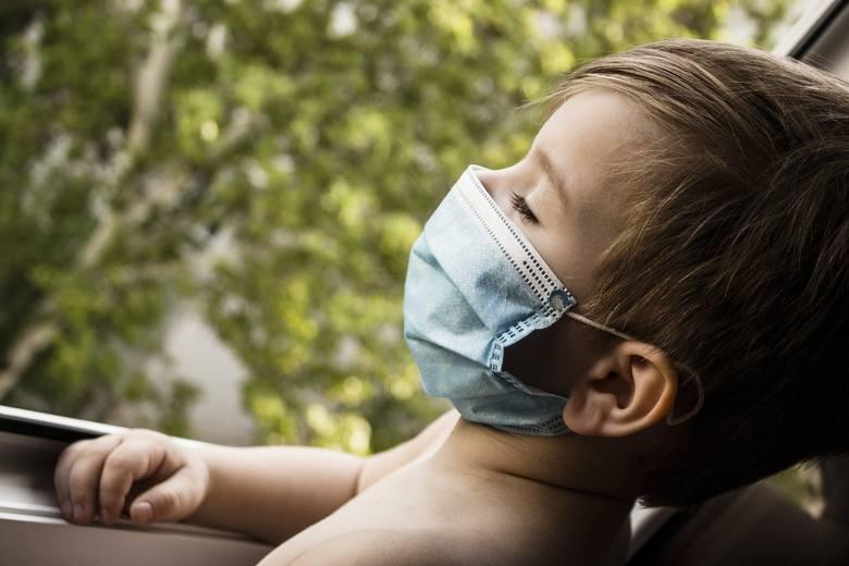 Choroba koronawirusowa nie stanowi dużego zagrożenia dla najmłodszych