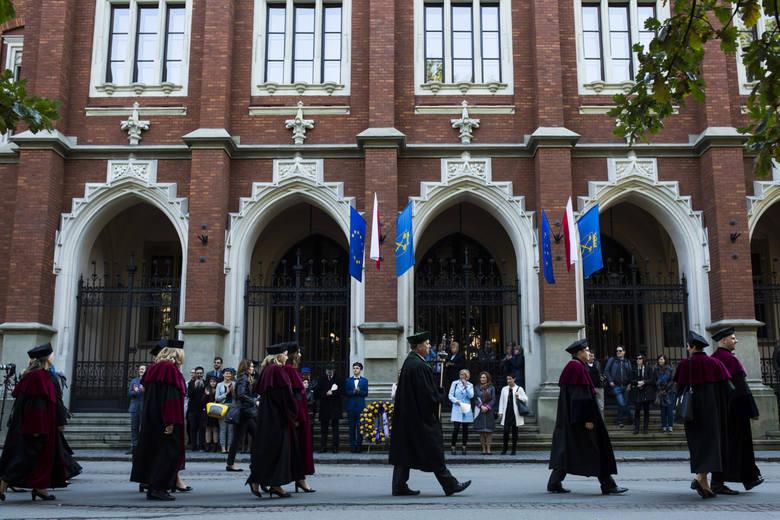Uczelnie publiczne najczęściej wybierane przez kandydatów – według ogólnej liczby zgłoszeń kandydatów na studia stacjonarne I stopnia i jednolite studia