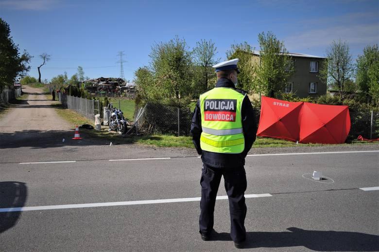 Śmiertelny wypadek motocyklisty koło Bytowa. Zginął dyrektor banku [ZDJĘCIA] - 21.05.2020