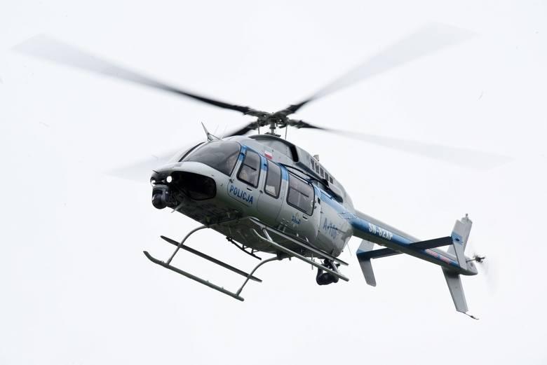 Poszukiwania nastolatków prowadzono z lądu, wody i powietrza.