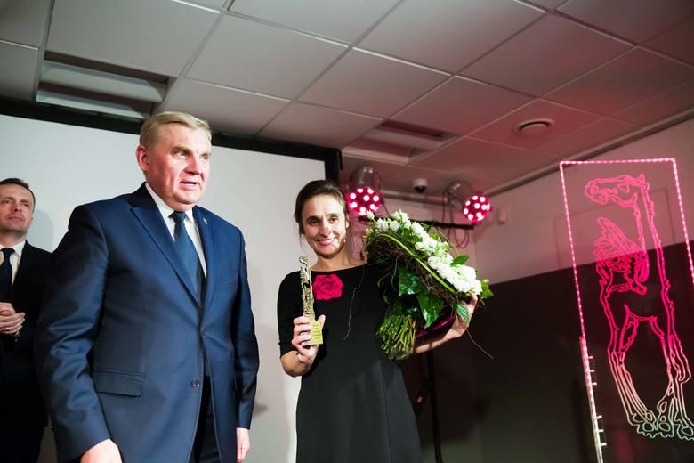 """Aneta Prymaka - Oniszk zdawała się nie dowierzać werdyktowi kapituły, kiedy usłyszała, że """"Bieżeństwo 1915"""" to najlepsza książka"""
