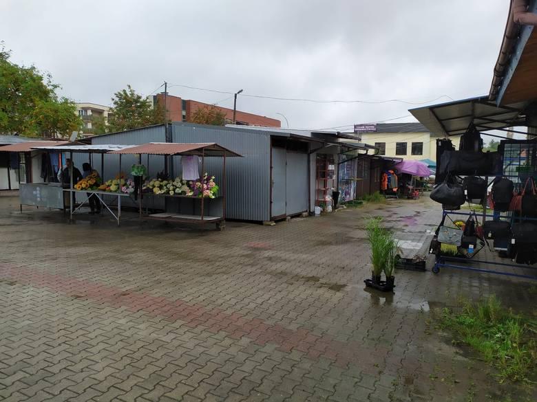 Kupcy z Ropczyc: Handlujemy tu 30 lat i nie chcemy stracić miejsca