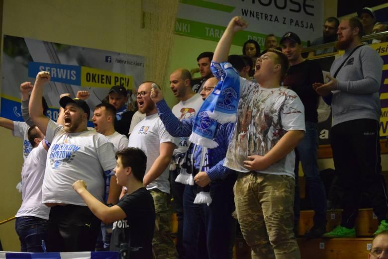 InvestInTheWest AZS AJP Gorzów pokonał Basket 90 Gdynia 77:75 w 16. kolejce Energa Basket Liga Kobiet. Sprawdź, kto dopingował podopieczne Dariusza Maciejewskiego