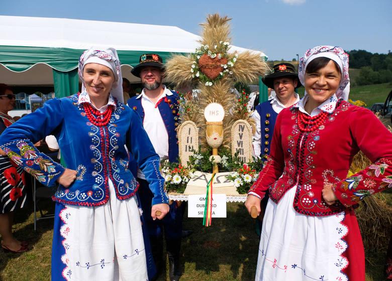 W niedzielę w Rokszycach w gm. Krasiczyn odbyły się dożynki powiatu przemyskiego 2019. Zobaczcie nasze zdjęcia!Czytaj też: Dożynki Gminy Przemyśl 2019