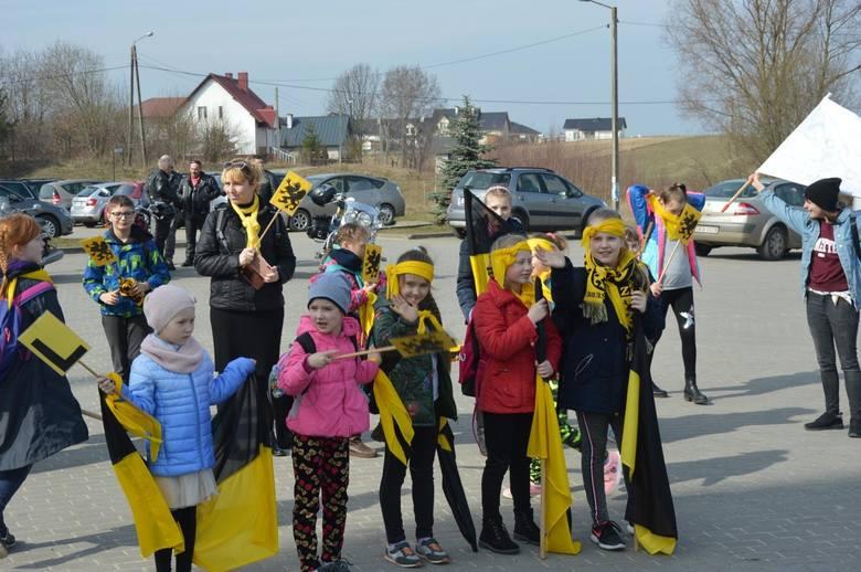 Dzień Jedności Kaszubów 2019 - czarno-żółte flagi wypełniły ulice Żukowa [ZDJĘCIA, WIDEO]