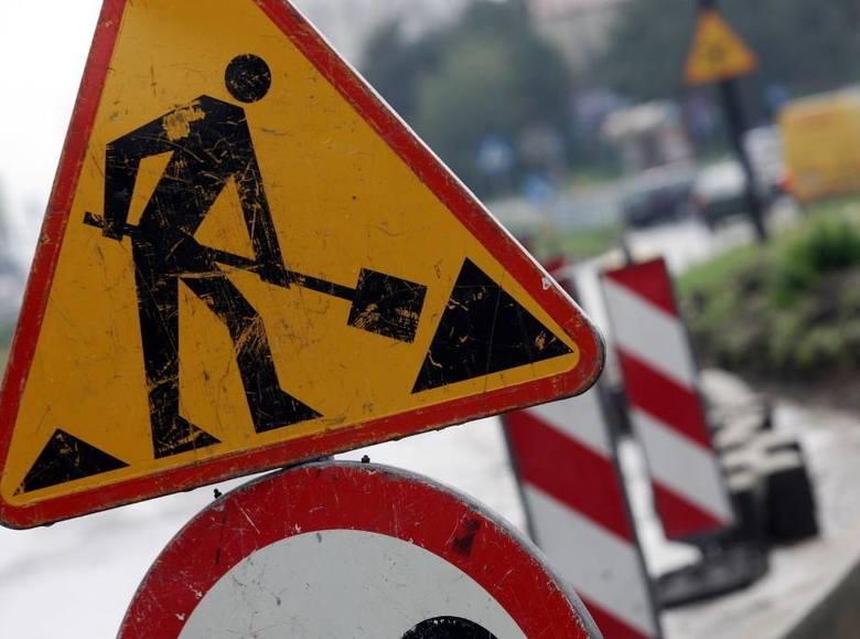 Prowadzone są roboty drogowe, które powodują utrudnienia na S8, DK57, DK60,  DK61