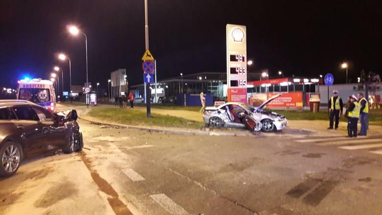 Śmiertelny wypadek na ulicy Rokicińskiej w Łodzi. Zderzenie samochodów w poniedziałek w nocy