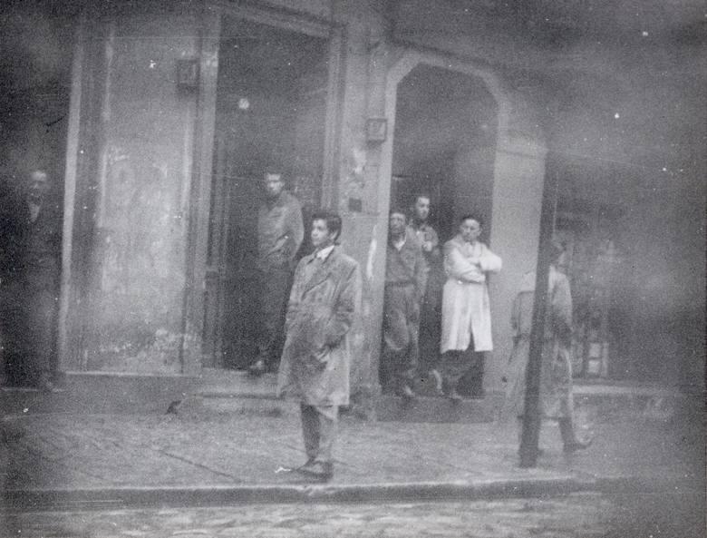Uczestnicy przy ul.  Świerczewskiego