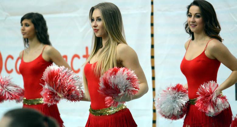 Dziś przygotowaliśmy dla Was galerię złożoną ze zdjęć najpiękniejszych polskich cheerleaderek. Jak wiadomo, najwięcej witaminy mają polskie dziewczyny.