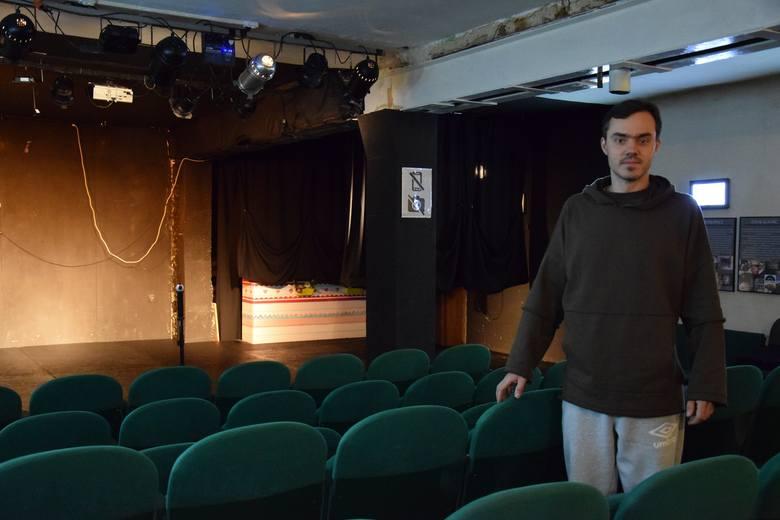 Teatr Żelazny na dworcu w Piotrowicach