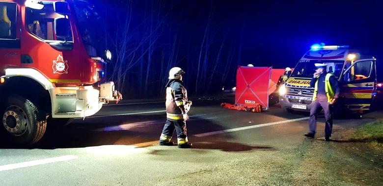 Do tragicznego w skutkach potrącenia pieszego doszło dziś po  południu w Pędzewie na drodze krajowej nr 80 pomiędzy Toruniem a Bydgoszczą. Opel zafira
