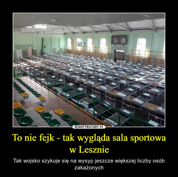 Zdjęcie przedstawiające salę sportową wypełnioną na całej powierzchni łóżkami obiegło sieć w Lesznie i wywołało falę gorących komentarzy. Okazuje się,