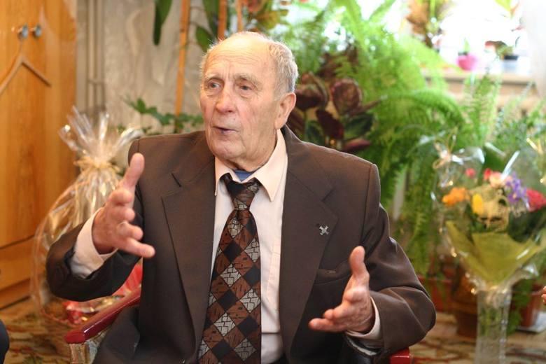 Luty to również miesiąc urodzin najstarszego wówczas mieszkańca Chojnic. W 2006 roku świętował on 102 urodziny. Zmarł dwa lata później.