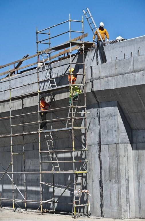 W naszym regionie trwa budowa obwodnicy Koszalina i Sianowa w ramach realizacji drogi ekspresowej S6. W piątek odwiedziliśmy plac budowy. Zobaczcie zdjęcia i wideo.