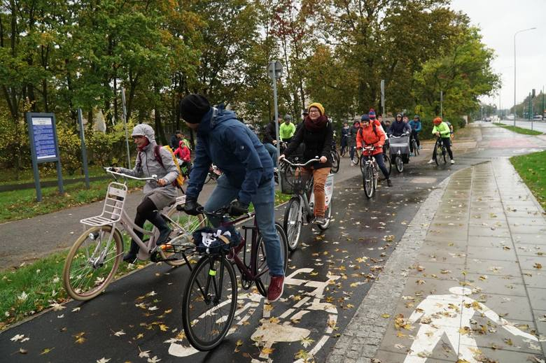 Poznań: Ze Śródki do centrum drogą rowerową? Radni i rowerzyści mają zastrzeżenia