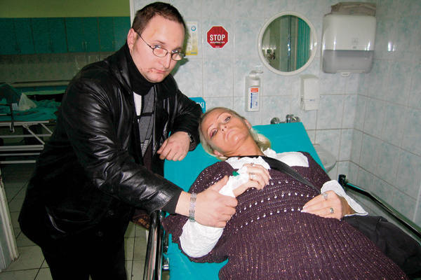 Żaneta Żarnecka przeszła wstrząs mózgu, ma stłuczone płuca, obrażenia głowy, wybity ząb i mnóstwo siniaków.