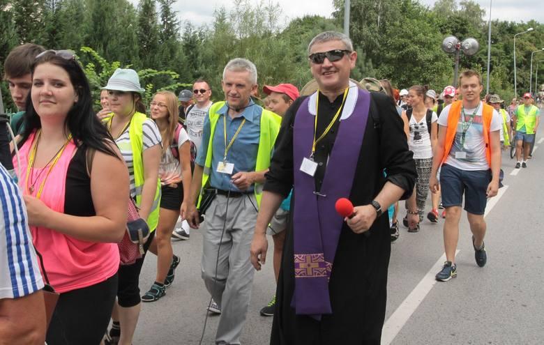 Trasa, którą łącznie pokonają pielgrzymi liczy 200 kilometrów. Najkrótszy etap radomskich kolumn liczy 16 kilometrów zaś najdłuższy 31. Połączenie wszystkich