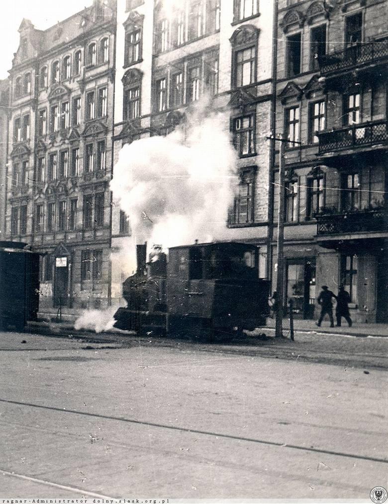 Wrocławska Kolej Dojazdowa czyli Kolej Wąskotorowa Wrocławsko-Trzebnicko-Prusicka działała do maja 1967 roku na odcinku Wrocław - Trzebnica