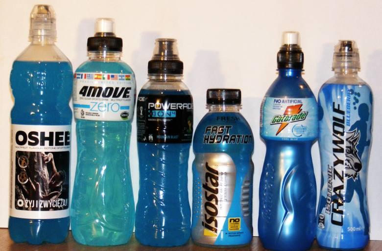 3. Pomocne w szybkim nawilżeniu organizmu mogą być też napoje izotoniczne, które pomogą uzupełnić utracone mikroelementy.