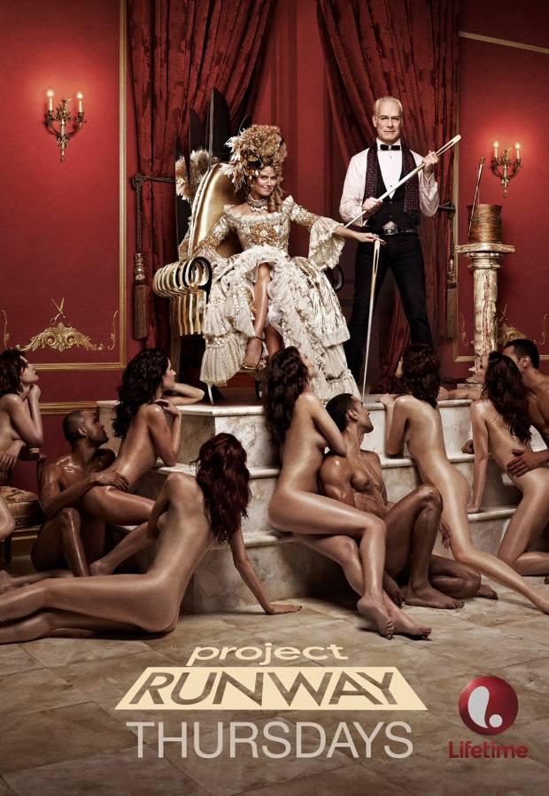 Nadzy modele klęczący przed królową... W Los Angeles zakazano reklamy z Heidi Klum [ZDJĘCIA]