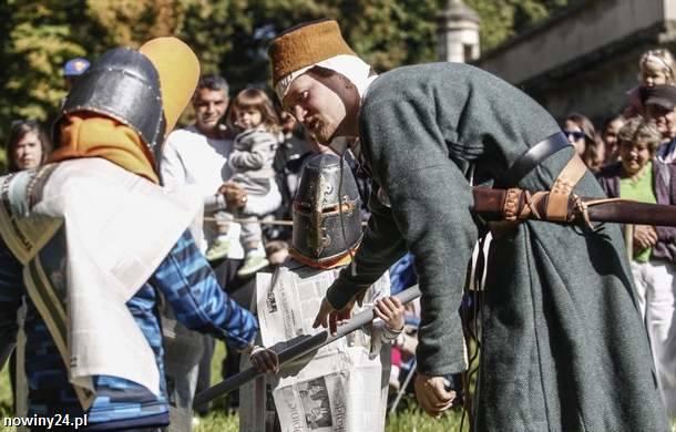 Na uczestników pikniku czekały m.in. pokazy walk, tańca i rzemiosł, zabawy i warsztaty dla dzieci i młodzieży. Wszystko w klimacie feudalnej Europy oraz... Japonii.