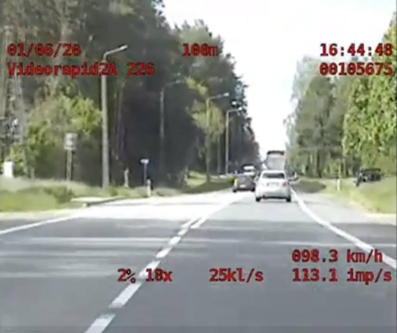 Policjanci z podlaskiej grupy Speed zatrzymali do kontroli pirata drogowego z alfy romeo (zdjęcia, video)