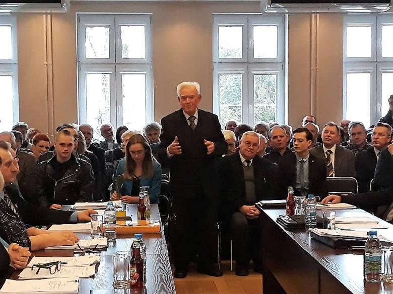 Do tej pory Kcynia miała 13 honorowych obywateli. Kolejny tytuł otrzymał w środę na sesji Rady Miejskiej Kcyni Jan Polewczyński, zasłużony pedagog i