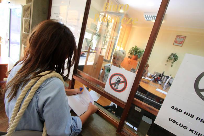 Jak wpisać do rejestru dłużników osobę, która nie płaci alimentów?Osoba prywatna potrzebuje prawomocnego wyroku mówiącego o należnych świadczeniach alimentacyjnych