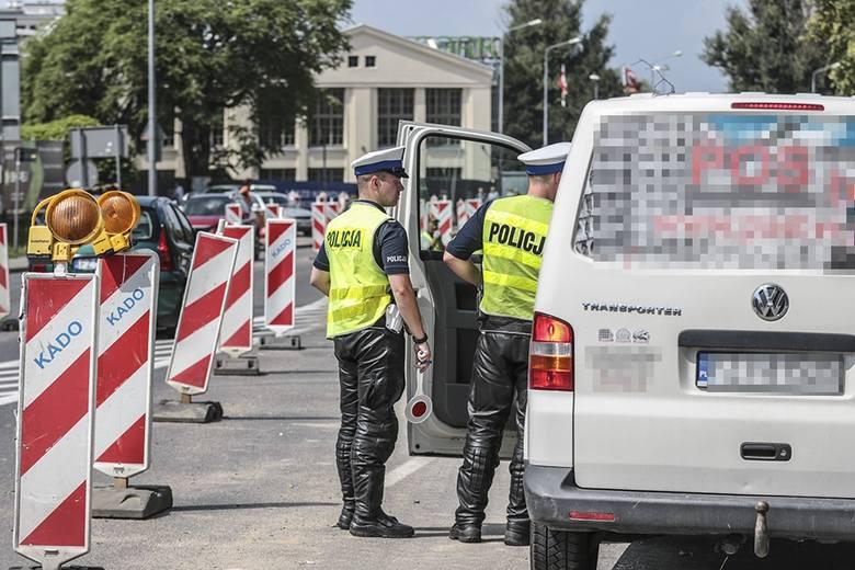 """Zielonogórska drogówka w czwartek, 8 sierpnia, przeprowadziła akcję """"Zielona strzałka"""". Niestety wielu kierowców dostało mandaty.Akcja """"Zielona strzałka"""""""