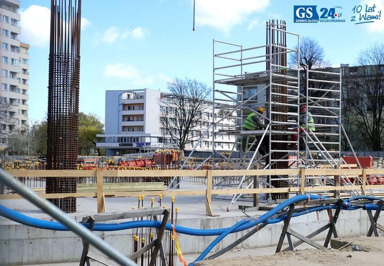 Wznowiono prace na budowie Hanza Tower [wideo, zdjęcia]
