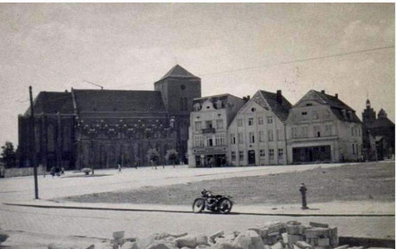Stary Rynek po odgruzowaniu. Rok 1950.