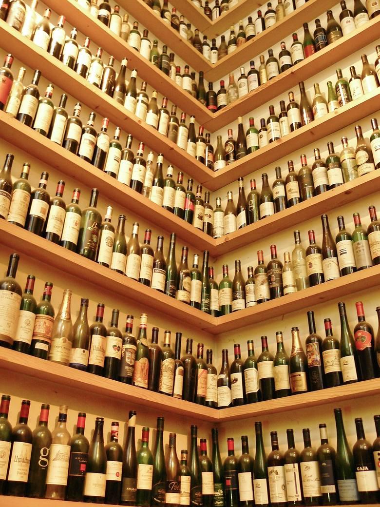 Francuscy degustatorzy win apelują: zaszczepcie nas szybciej, bo stracimy smak i węch a przez to pracę