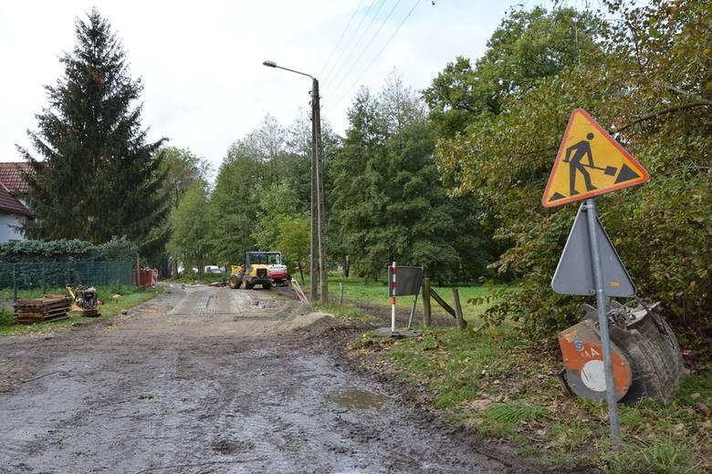 Remontowana droga w Kalsku w gminie Sulechów