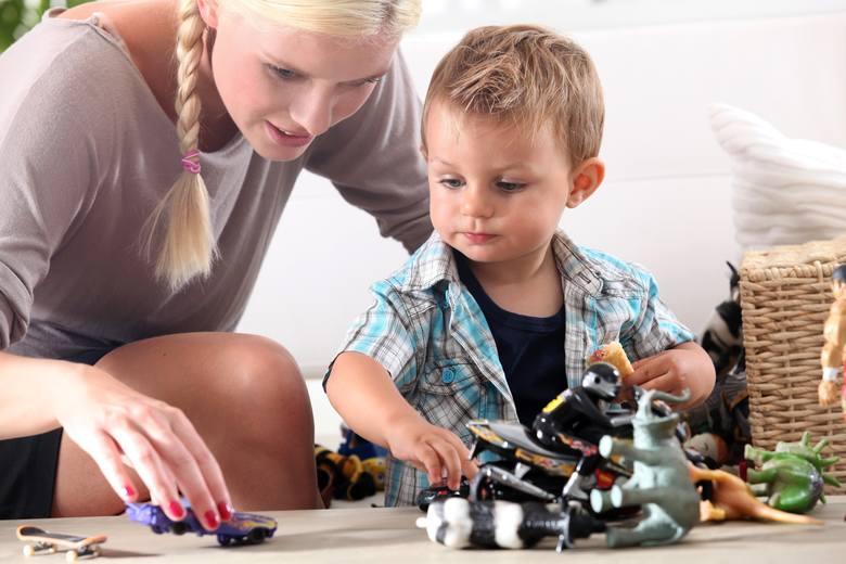 3. Urlop wypoczynkowyDla rodziców, którzy są zatrudnieni na umowie o pracę, pozostaje jeszcze oczywiście możliwość zawnioskowania o urlop wypoczynkowy.