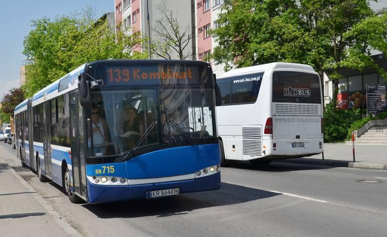 Miejsce 2 - autobusy numer 139. Wystawionych kar za jazdę bez biletu - 2043.