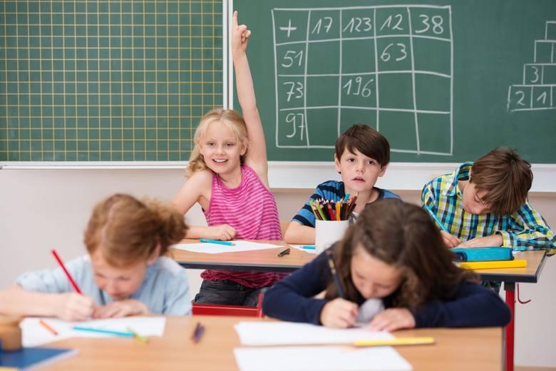 188 tyle dni nauki czeka uczniów w roku szkolnym 2020/2021