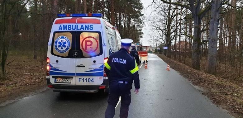 Do wypadku doszło w piątek 15 marca na drodze z Drzonkowa w kierunku mejscowości Sucha. Honda wypadła z drogi i uderzyła w drzewo. Kierująca została
