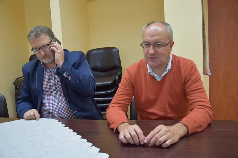Michał Sieroń, rzecznik szpitala i Wojciech Kreis, zastępca dyrektora ds. medycznych w WSS nr 3 w Rybniku.