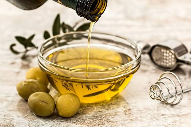 Barwę oliwie nadają chlorofil i związki zaliczane do grupy karotenoidów