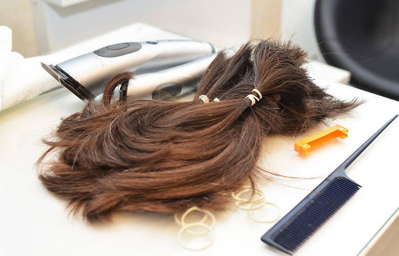 Czy trzeba golić brodę w obawie przed koronawirusem? Mycie i obcinanie włosów w obliczu epidemii