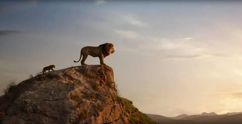 """Kiedy w Europie czy Stanach Zjednoczonych widzowie dopiero kończą odliczać do premiery """"Króla Lwa"""", chińska publiczność jest już po jego premierze. Remake cieszy się tam ogromną popularnością, zajmując pierwsze miejsce w tamtejszym box-office."""