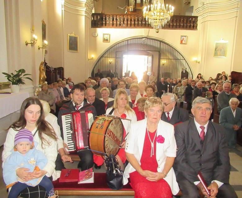 Zespół Ustronie wystąpił z koncertem Pieśni Maryjnych w Żelaznej [ZDJĘCIA]