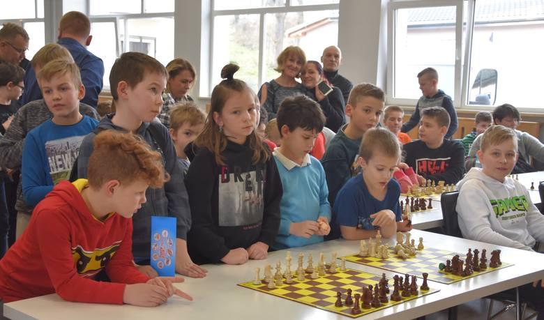 - VI turniej cyklu Enea Operator Międzyszkolna Liga Szachowa tym razem odbył się na zupełnie nowym terenie województwa kujawsko-pomorskiego, bowiem dotychczas