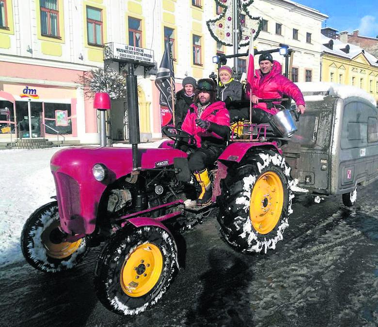 Traktor i podlaski bimber zrobiły na Bałkanach furorę